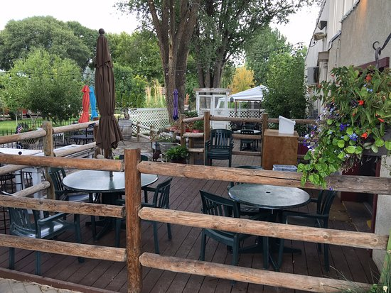 Caldwell, ID: Outdoor Seating