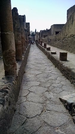 Blue Italy Guided Tours of Pompeii
