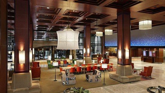 Sheraton Centre Toronto Hotel: Lobby