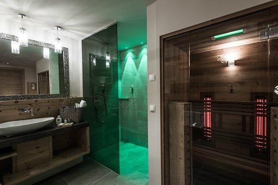 Badezimmer Mit Sauna Bagno Con Sauna Picture Of Green Lake Hotel - Badezimmer mit sauna