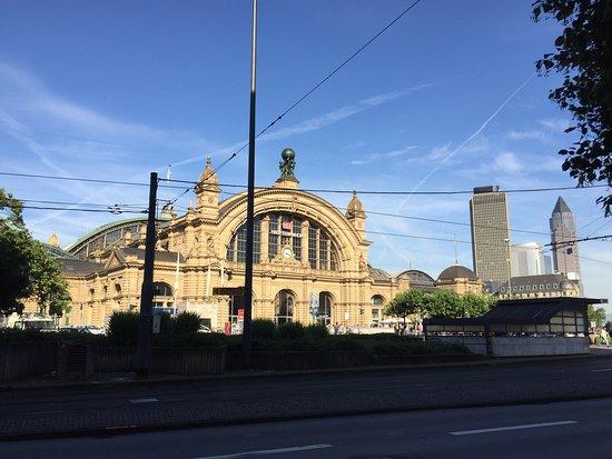photo5jpg  Picture of Leonardo Hotel Frankfurt City