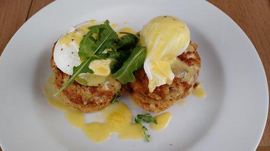 Appomattox, VA: Eggs Chesapeake at Sunday Brunch