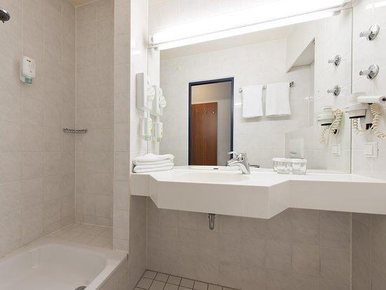 Badezimmer - Bild von ACHAT Comfort Stuttgart, Stuttgart - TripAdvisor