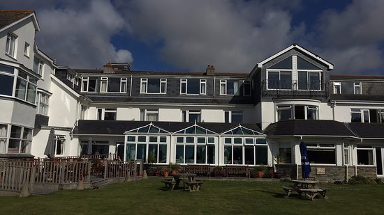 Constantine Bay, UK: Rear view of hotel