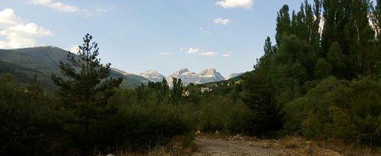 Aisa, Spanien: Ordesa y Monte Perdido al fondo
