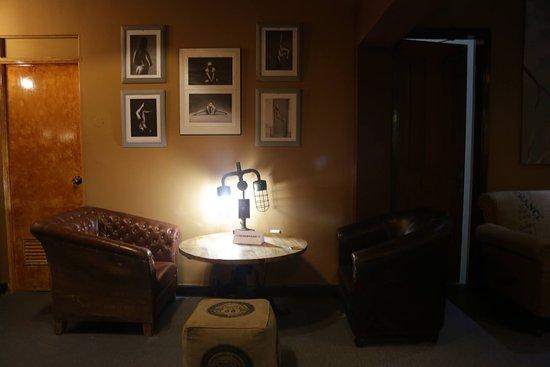 Bar Bar: Interior 3