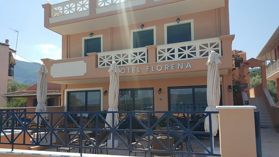 Hotel Florena Episkopos: We have enjoyed this hotel the staff all speke English and are extremely helpful in every way th