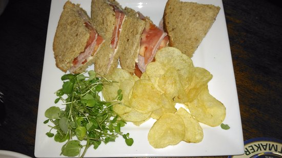 The Rose and Crown: Ham and tomato sandwich