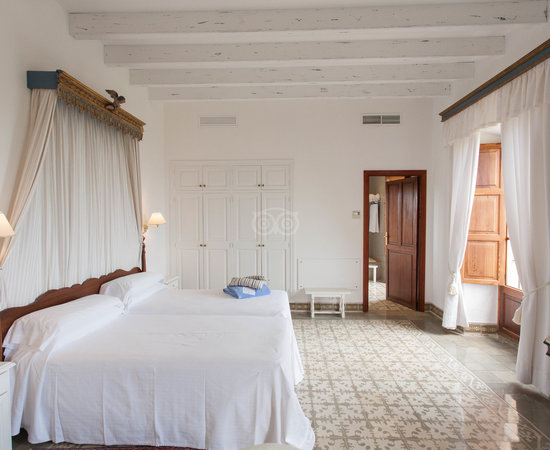 Hotel Llenaire Rooms