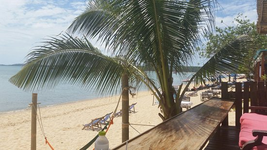 Lawana Resort: 20160709_112302_large.jpg