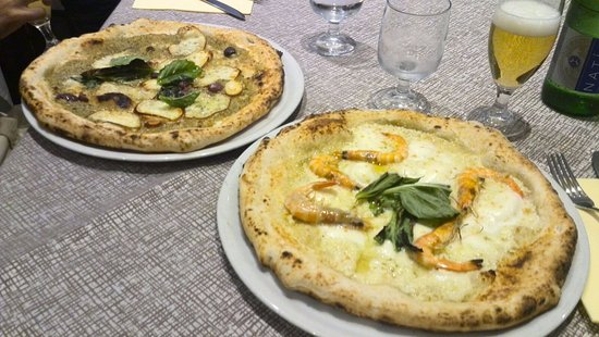 Pizza Con Crema Di Mandorle E Gamberi Pizza Con Pesto Di
