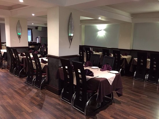 Swinton, UK: Come dine in the new Agra Indian Cuisine!  Follow our Facebook page @Agraindiancuisinem27 for of