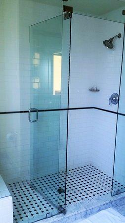 บิกสปริง, เท็กซัส: walk in shower