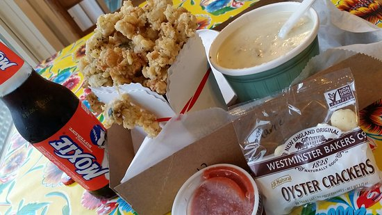 Biddeford Pool, ME: Tasty treats of Chowda and Fried Clams