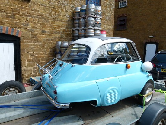 Hook Norton, UK: Bubble car.