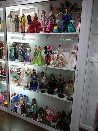 House of the B-Fashion Doll
