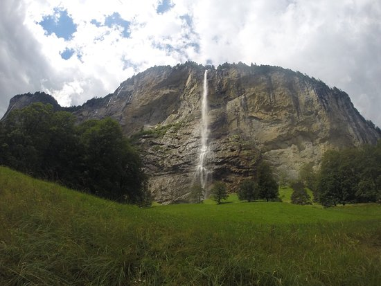 Lauterbrunnen Valley waterfalls: photo2.jpg