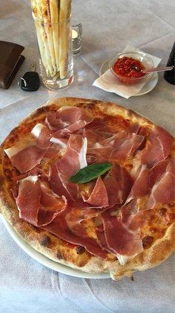 Sehr feine Pizza