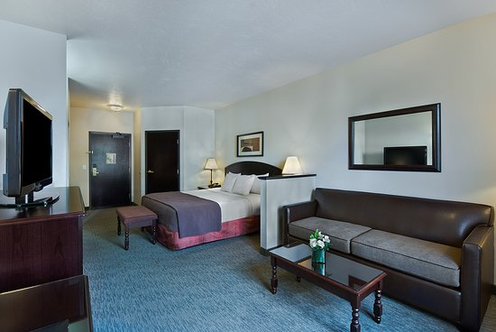 Oxford Suites Downtown Spokane: Studio King Suite
