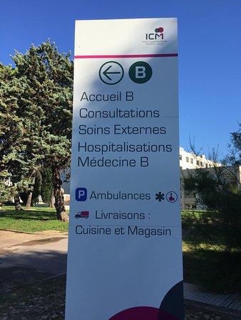 Hotel du Parc Euromedecine : zona hospitalaria al lado del hotel