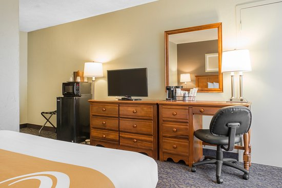 Quality Inn University Center: Queen Room