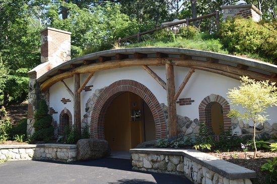 Green Bay Botanical Garden: The Hobbit House