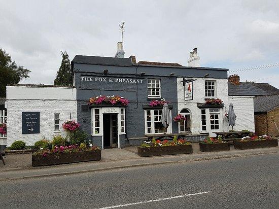 Stoke Poges, UK: What a beautiful pub