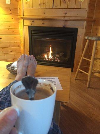 Sundog Retreat: Cranberry cabin even has a fireplace