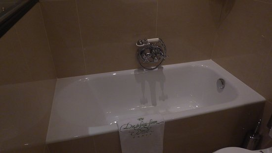 Hotel Duc de Saint Simon: Bath Suite 18