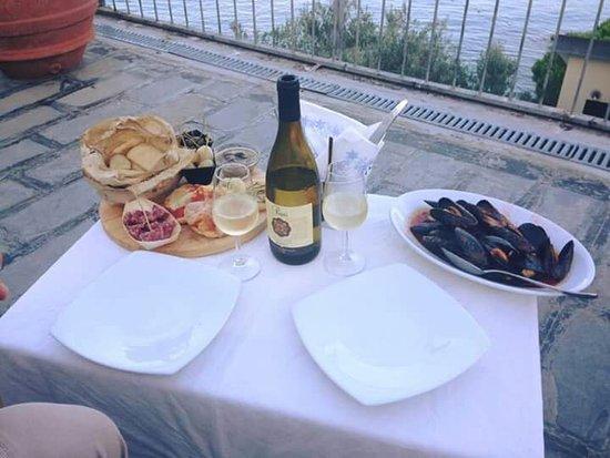 Meggen, สวิตเซอร์แลนด์: Posto stupido vista mare, personale fantastico ,cucina ottima , abbiamo chiesto un aperi cena pr