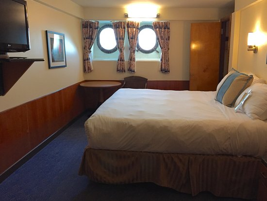 Rooms: Harbor View Deluxe King Room