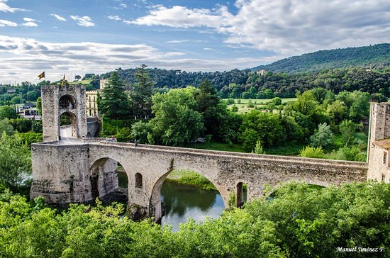 Tortellà, España: puente de Besalú en Girona