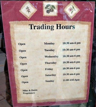 Verde Valley Olive Oil Traders: Hours