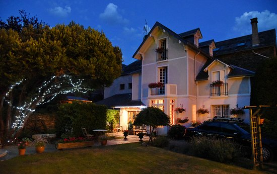 Villa Portillon: A beautiful, restful place to enjoy a nice evening in the garden