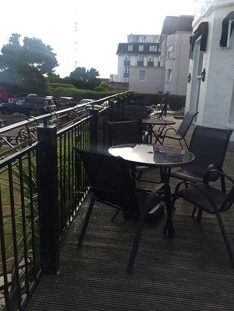 Garden Restaurant: Balcony where I ate outside