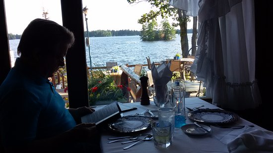 Manitowish Waters, WI: Any seat in the dining room has a beautiful view of the lake, and lakeside patio