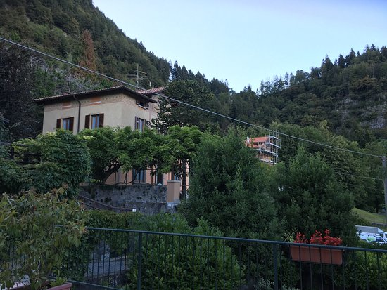 Hotel Il Nibbio: Il Nibbio is a nice place to stay when you want a nice place to stay in our on peace in the inla