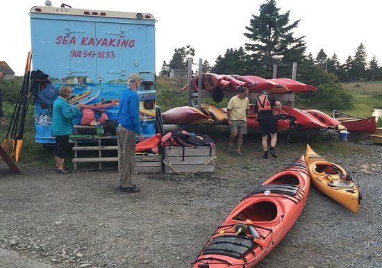 Lunenburg, Canada: Truck and Kayaks