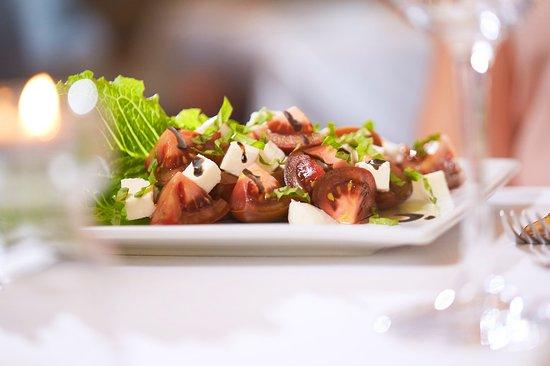 Ruth's Chris Steak House: Kumato Salad
