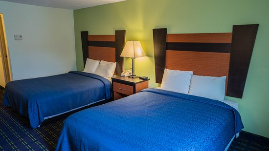 Mariner Motor Lodge: Room