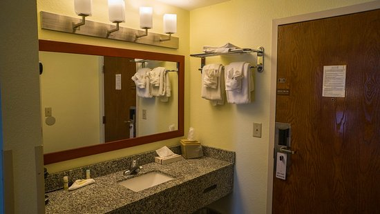 Mariner Motor Lodge: Sink Area