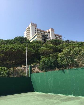 Ô Hotel Golf Mar: cours de tennis