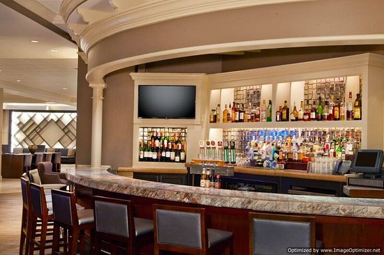 Sheraton Suites Country Club Plaza: Bar