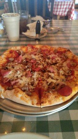 Marco's Italian Restaurant & Pzzr: 20160807_184440_HDR_large.jpg
