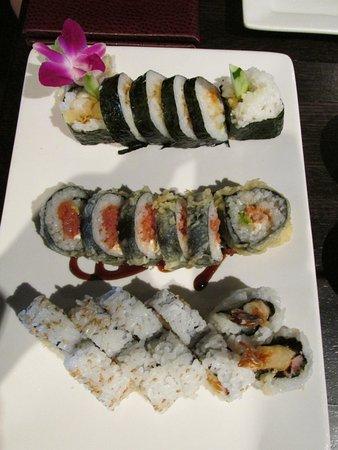 Tsunami Japanese Restaurant: Makis