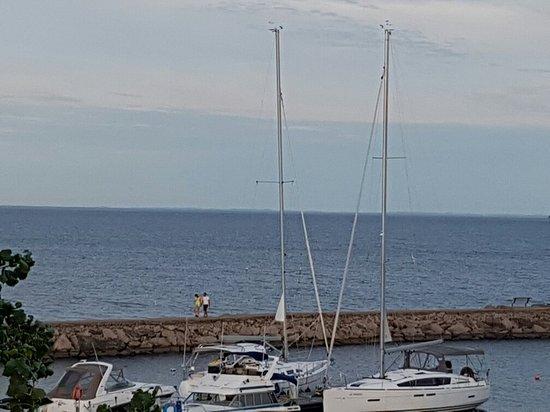 Port D'Attache: 20160809_192606_large.jpg