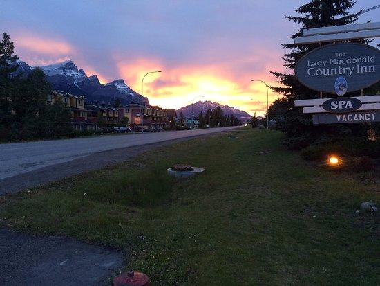 Lady Macdonald Country Inn: Coucher du soleil