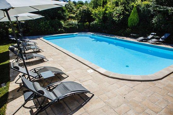 Le clos des Pélissous: piscine