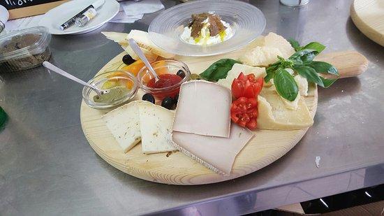 Collazzone, Italië: Tagliere di formaggi