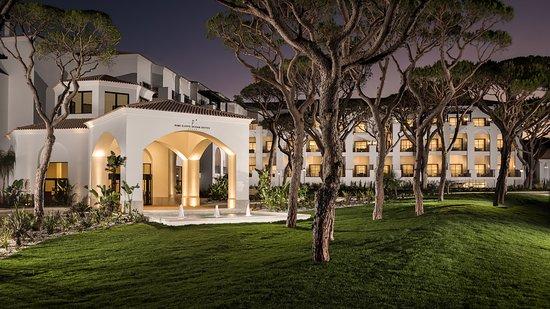 Pine Cliffs Ocean Suites, a Luxury Collection Resort